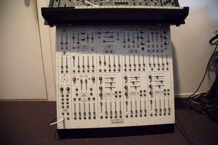 macbeth-m5n-synthesizer