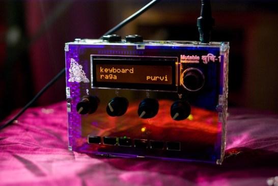 Shruti-1 Synthesizer