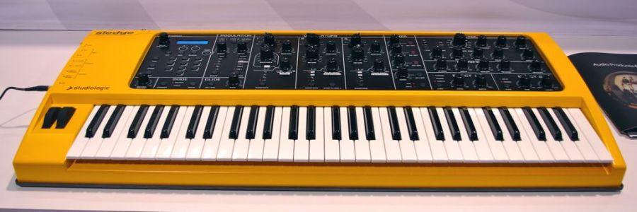 Studiologic Sledge synthesizer