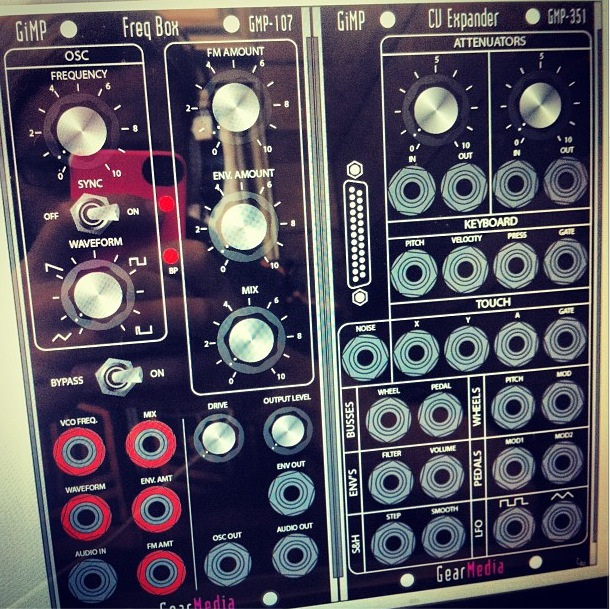 5u moogerfooger panels for moog compatible modular synthesizers synthtopia. Black Bedroom Furniture Sets. Home Design Ideas