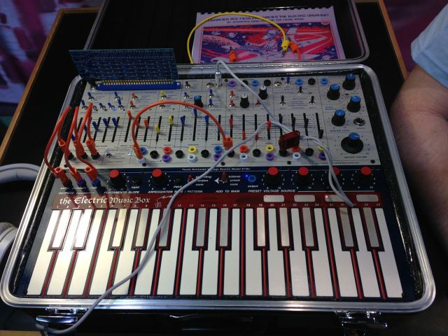 buchla-electric-music-box