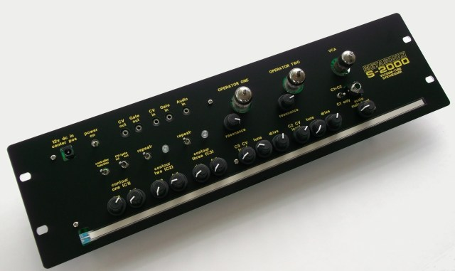 metasonix-s-2000-vacuum-tube-synthesizer