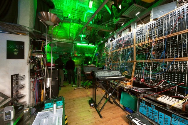 synth-studio-coolest-ever