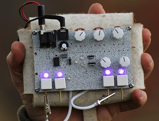 2pi-synthesizer