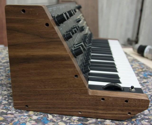 korg-ms-20-mini-wood-panels