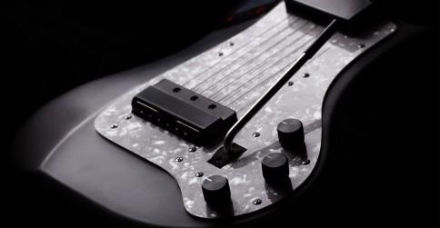 lineage-midi-guitar-closeup