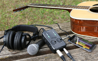 IK_Multimedia_irig_pro_duo_lifestyle_outdoor