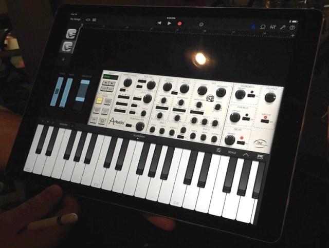 arturia-imini-audio-unit-garageband-crop