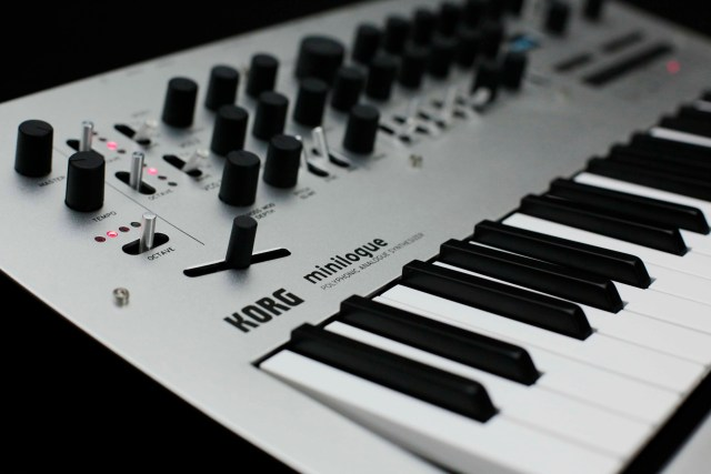 Korg_Minilogue_Closeup1