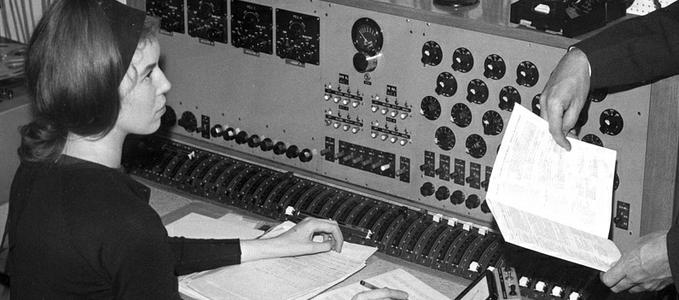 bbc-radiophonic-delia-derbyshire