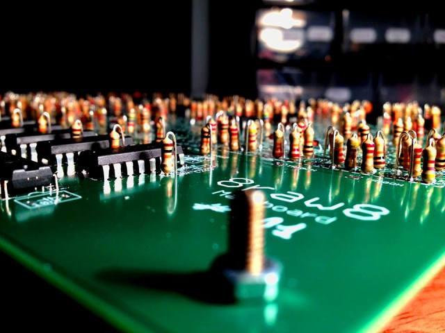 8raw8-roland-tr-808-clone-circuits