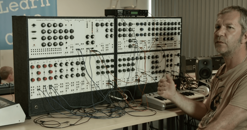 the basics of modular synthesis synthtopia. Black Bedroom Furniture Sets. Home Design Ideas