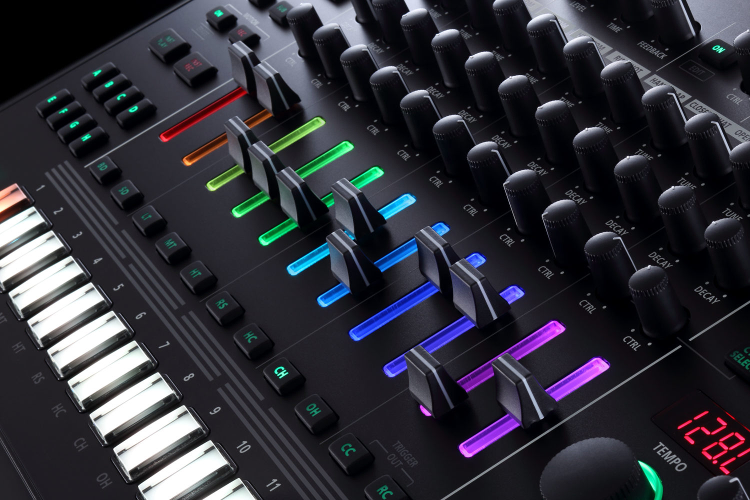 roland tr 8s rhythm performer pairs classic drum machine sounds with your samples synthtopia. Black Bedroom Furniture Sets. Home Design Ideas