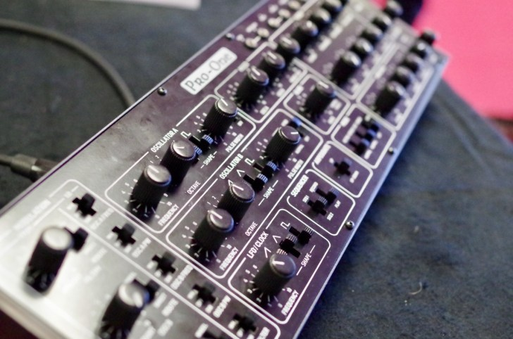 Behringer Displays Vc340 Pro One 808 Ms 101 Clone