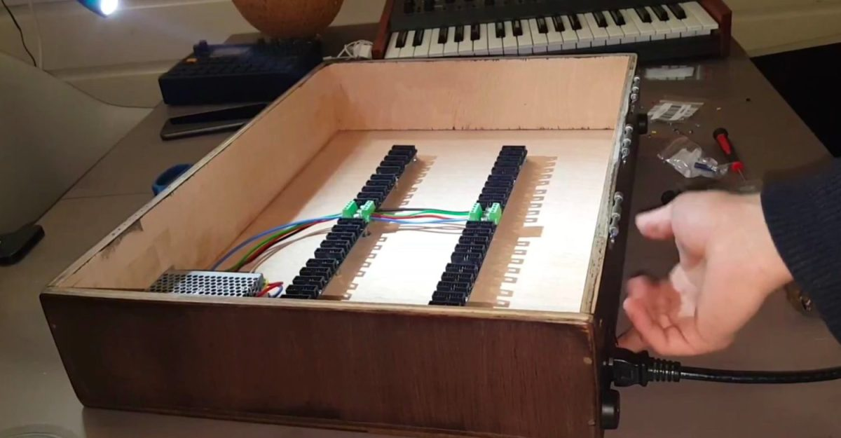 how to build a diy eurorack modular synthesizer case synthtopia. Black Bedroom Furniture Sets. Home Design Ideas