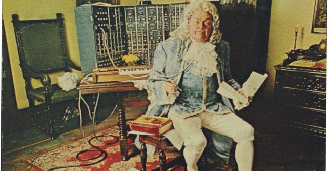A Vintage Look At The Moog Synthesizer & Switched On Bach With Glenn Gould