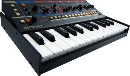 Roland-JU06A-tilt-back-2