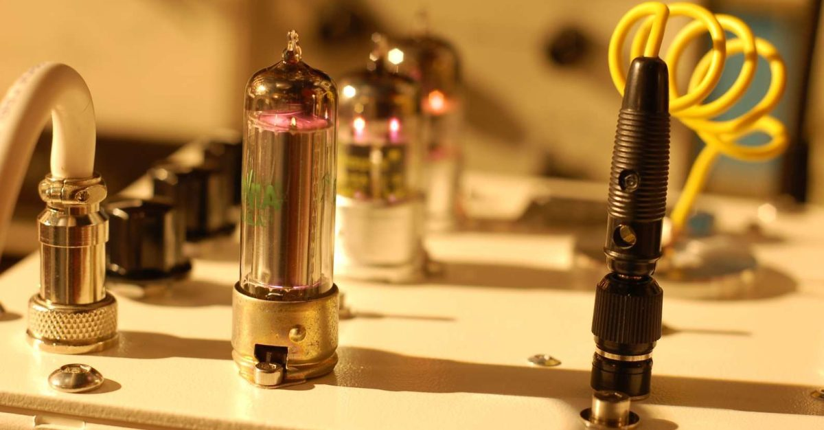 The Agnew Analog Tube Chemical Synthesizer Is Like A Chemistry Set For Strange Sounds
