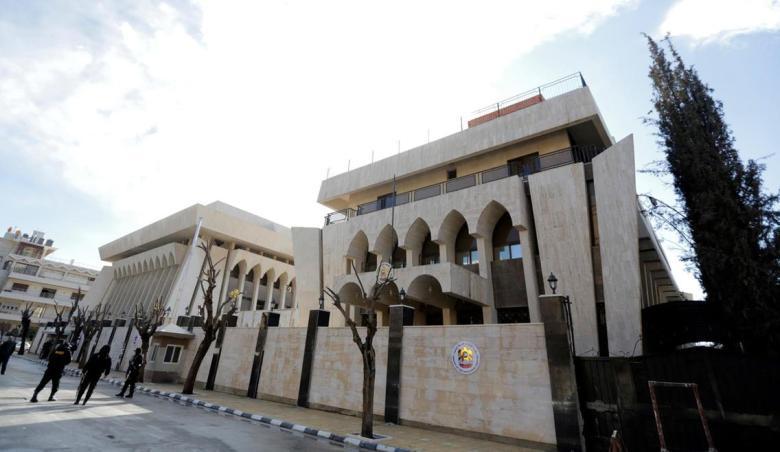 Photo du bâtiment de l'ambassade des E.A.U. lors de la cérémonie d'inauguration de la réouverture de l'ambassade à Damas le 27 décembre 2018 (image EPA)