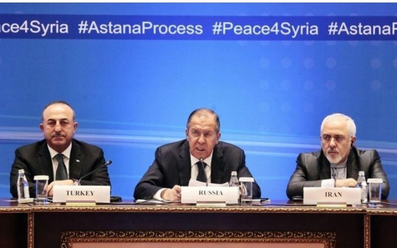 Les ministres des Affaires étrangères Lavrov, Cavusoglu et Zarif au sommet d'Astana en 2018 (image Keystone)