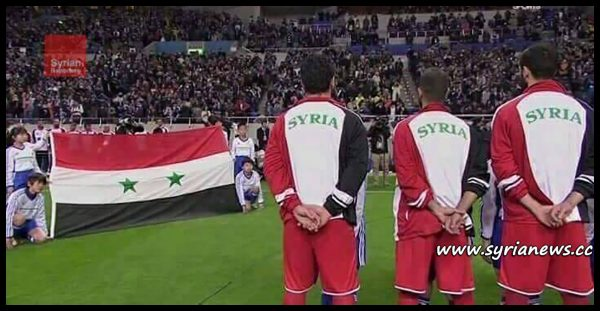 image-after 7 years of war of terror on them, victorious Syrians saved their real Syrian Flag