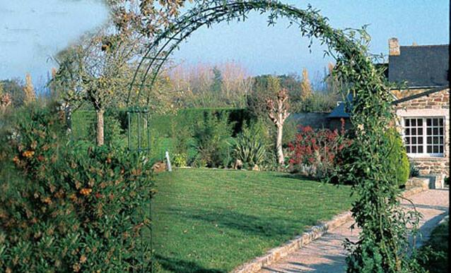 jardin souder une arche avec des fers