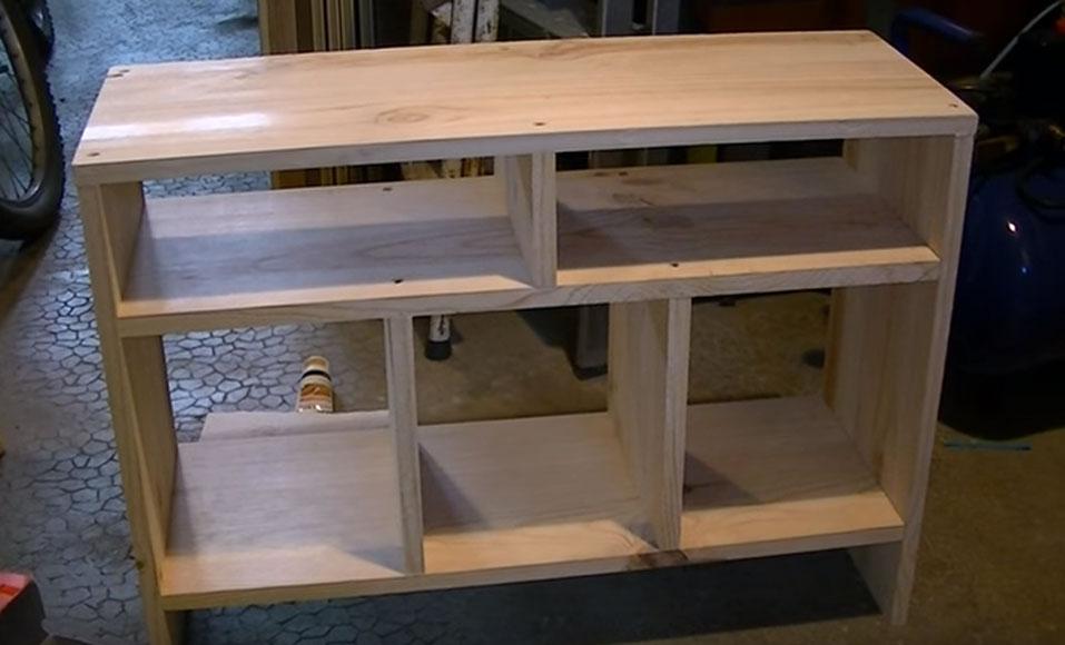 un meuble tv en bois massif