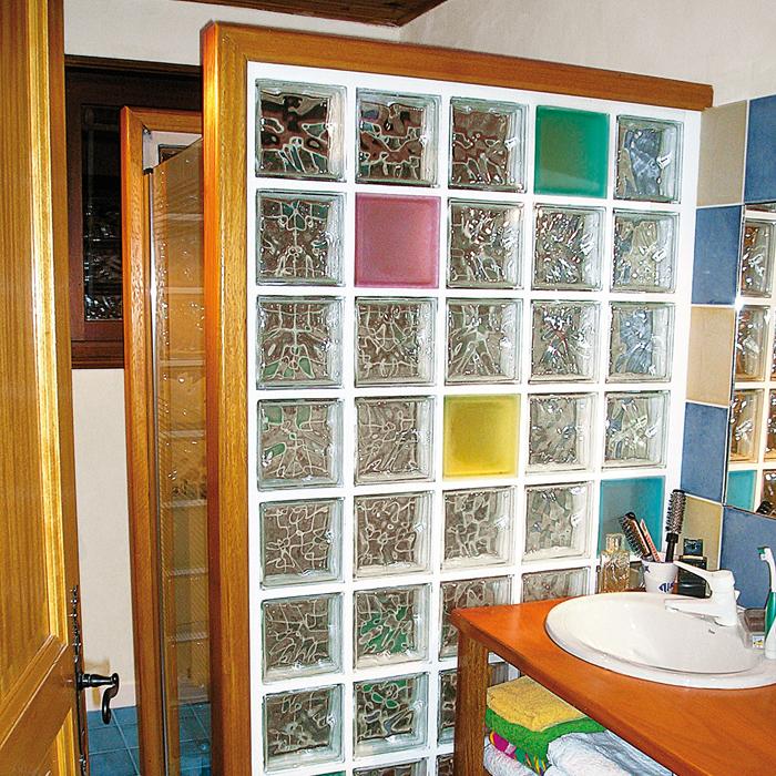 Installer des briques de verre pour une douche