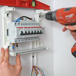 Fixer solidement son tableau électrique secondaire