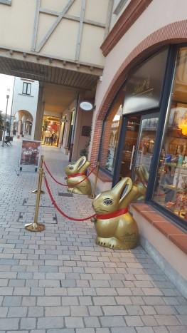 lindt nailloux outlet village (2)