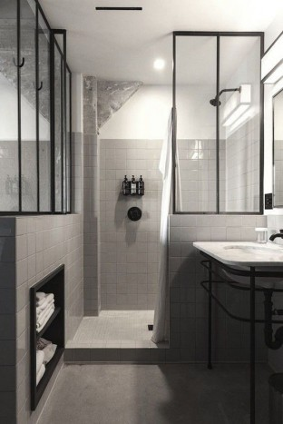salle-de-bains-originale-verriere