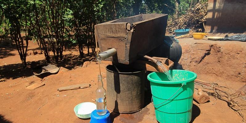 Kachasu - alkohol z Malawi