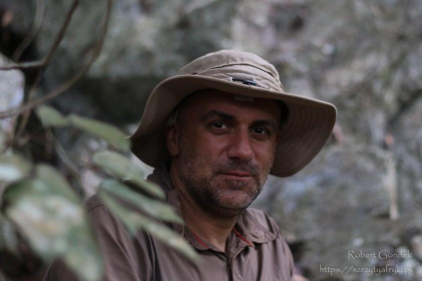 Mariusz Jachimczuk na trekkingu w Gabonie