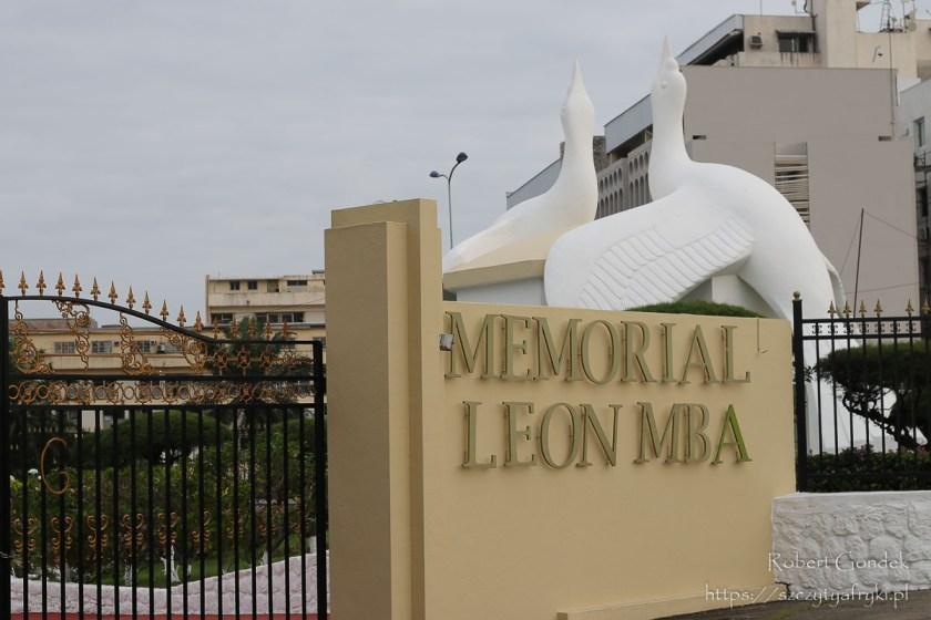 Pomnik Prezydenta Leona Mba w Libreville