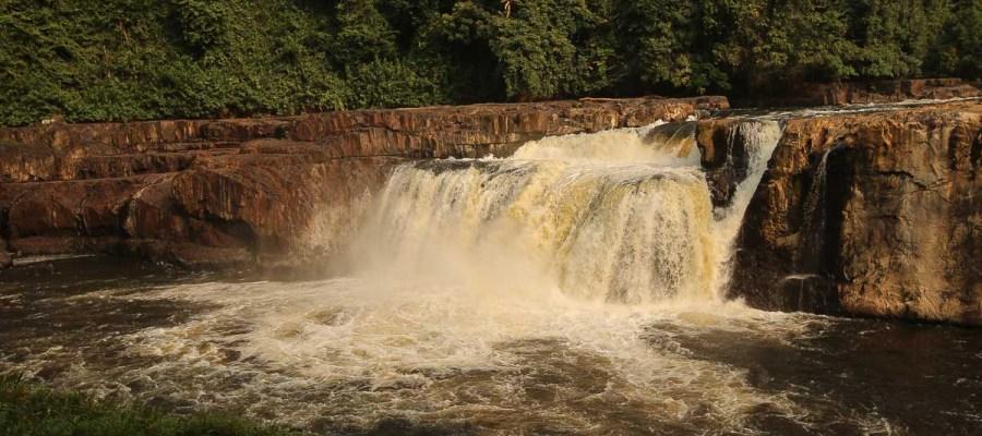 Wodospad Poubarra na rzece Ogowe