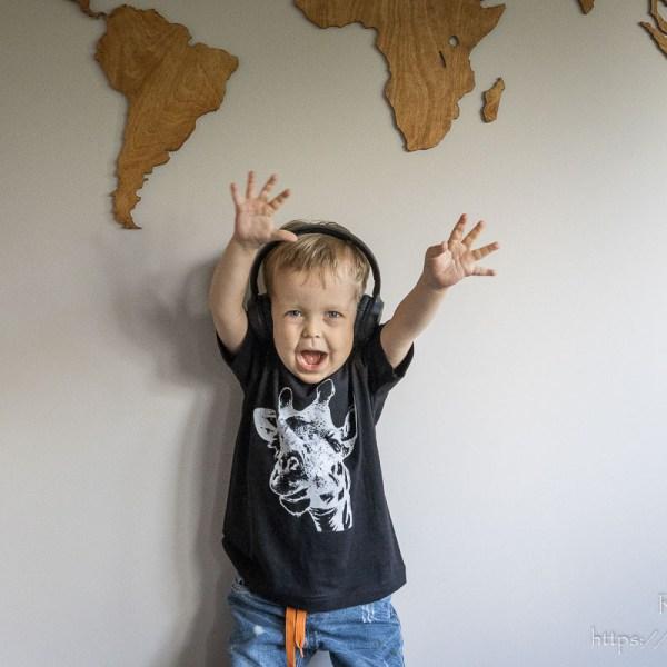 T-shirt z żyrafą dla chłopca
