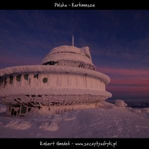 Zdjęcie wschodu słońca na Śnieżce