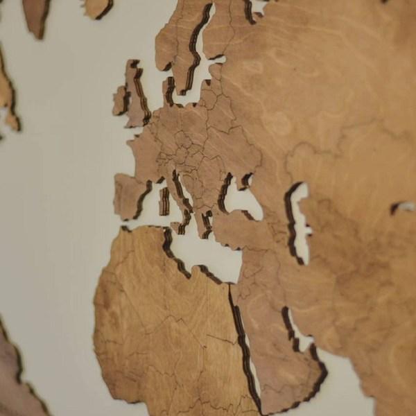 Drewniana mapa świata na ścianę z granicami - dąb