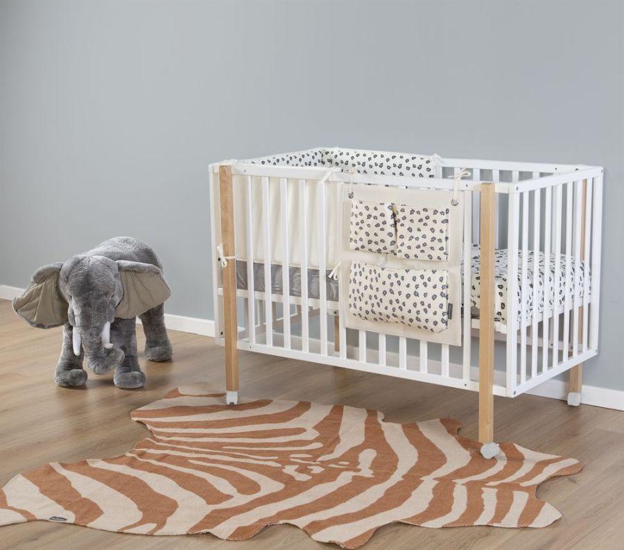Pokój z dekoracjami afrykańskimi - słoń zabawka dla dzieci
