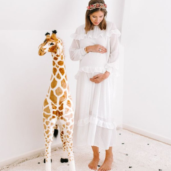 Pokój z dekoracjami afrykańskimi - żyrafa zabawka dla dzieci