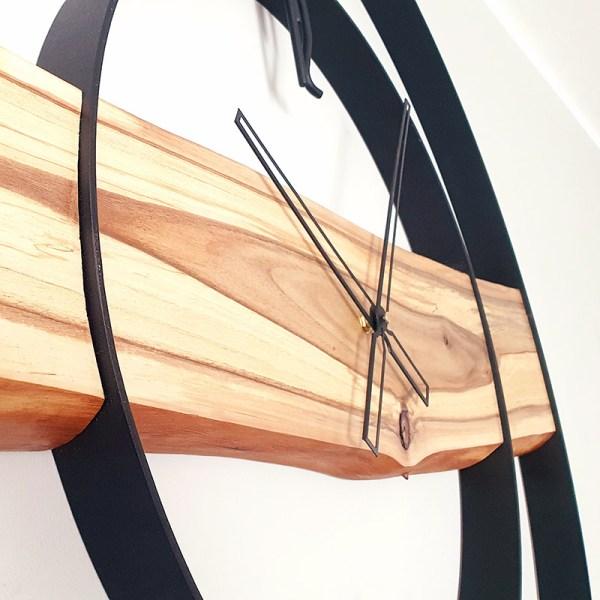 Zegar z drewna i stali w afrykańskim stylu loft dekoracja
