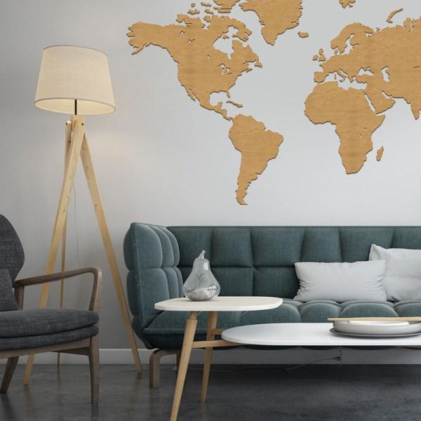 Mapa świata na ścianę w kolorze dąb