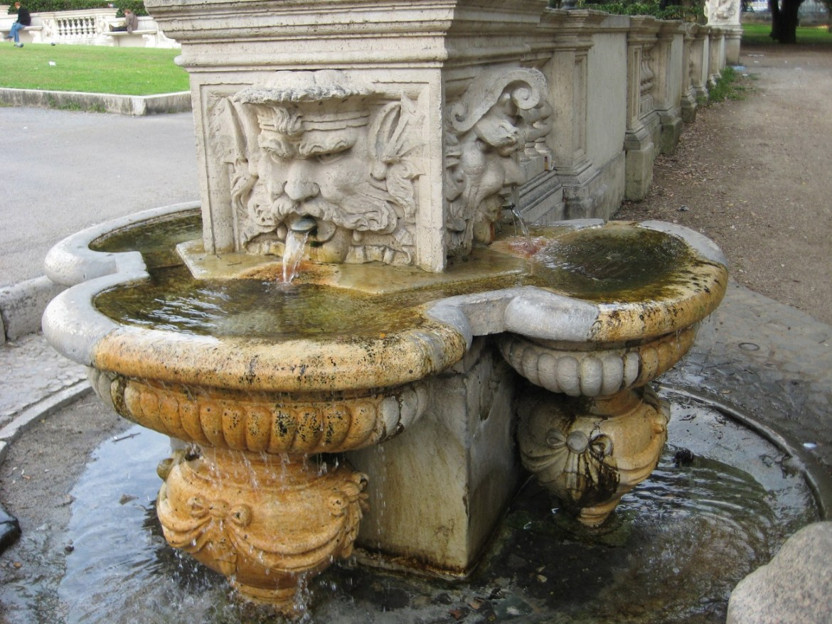 Italy – Rome's charming drinking fountains