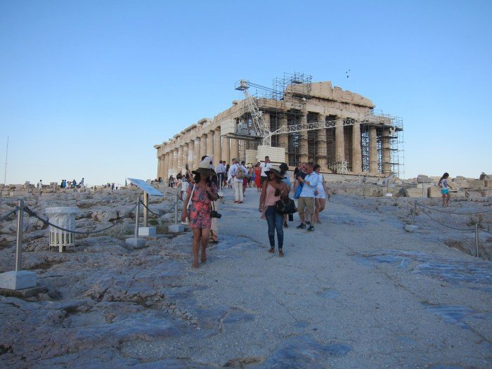 Leaving Acropolis
