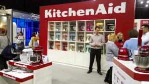 A 100. születésnapját ünneplő KitchenAid standja