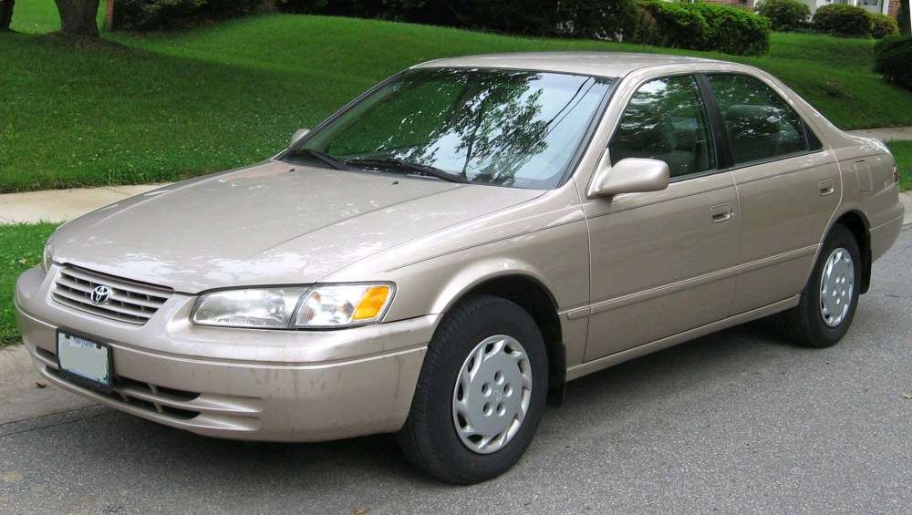 medium resolution of 1999 toyotum camry center cap