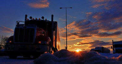 Trucker Sunrise Truck Stop Sunset  - 6734180 / Pixabay