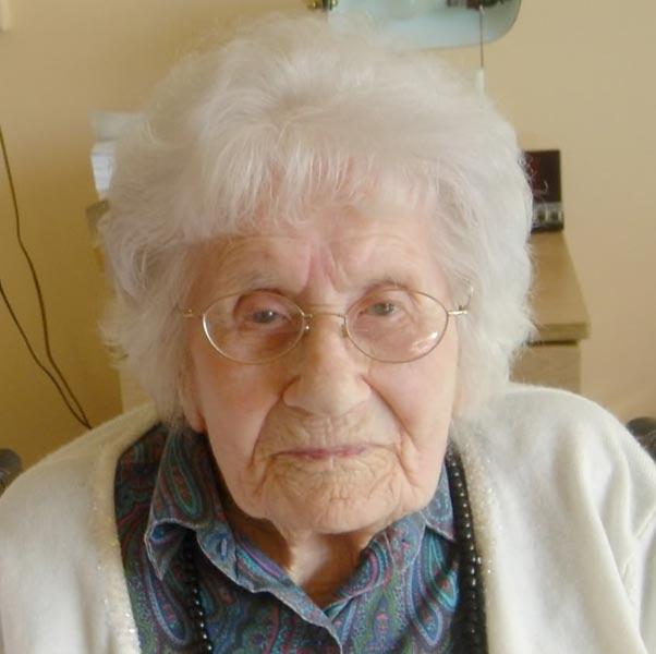Besse Cooper, de oudste mens ter wereld, geboren in de jaren negentig van de eervorige eeuw