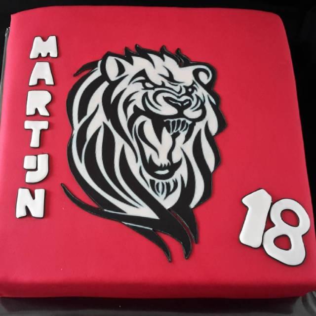 Happy Birthday Martijn Deze taart is gevuld met mascapone verjaardagstaarthellip