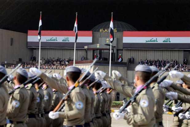 عرض عسكرى احتفالا بنحرير الموصل